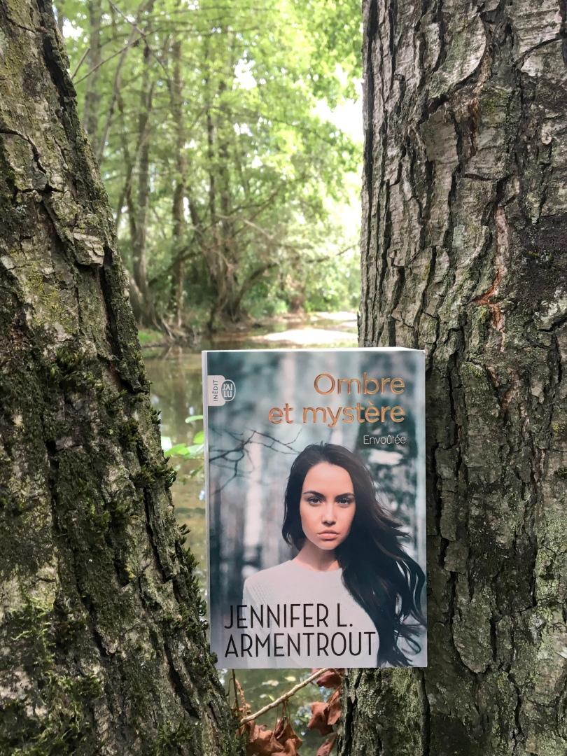 J'AI LU - Ombre et mystère, tpme 1 : Envoûtée - Jennifer L. Armentrout - La page en folie