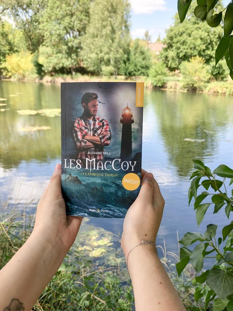HUGO ROMAN - Les MacCoy, tome 2 : L'Ours et le Taureau - Alexiane Thill - La page en folie